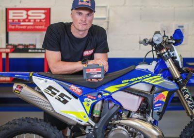 BS AKKUMULÁTOR és SHERCO - Új partnerség minden Racing és gyári motorhoz